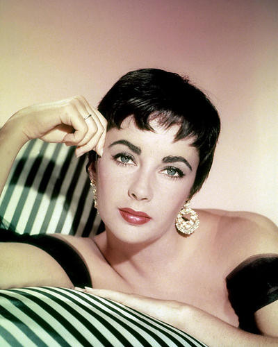 This is an image of Photograph & Poster of Elizabeth Taylor 287693