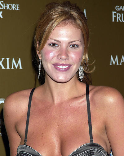 This is an image of Photograph & Poster of Nikki Cox 287836
