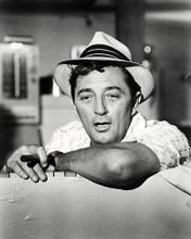 This is an image of Photograph & Poster of Robert Mitchum 196899