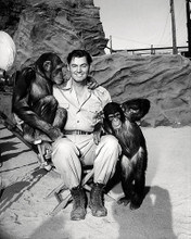 This is an image of Photograph & Poster of Johnny Weissmuller 196903