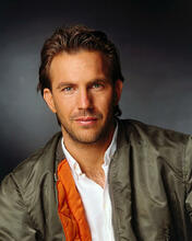 This is an image of Photograph & Poster of Kevin Costner 288093
