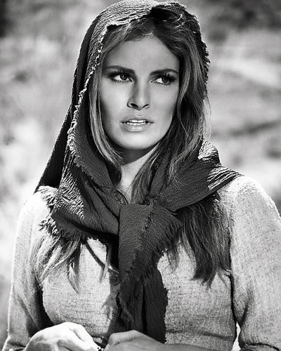 This is an image of Photograph & Poster of Raquel Welch 197117