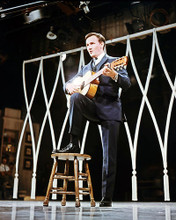 This is an image of Photograph & Poster of Roger Miller 288811