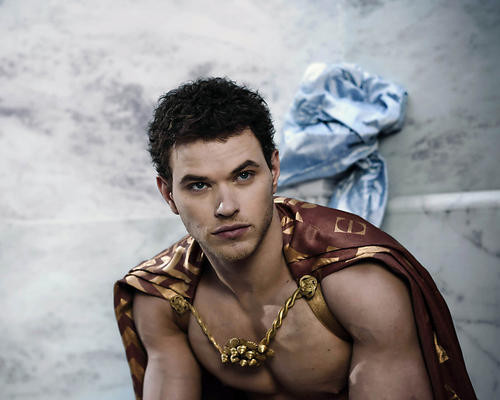 This is an image of Photograph & Poster of Kellan Lutz 288719