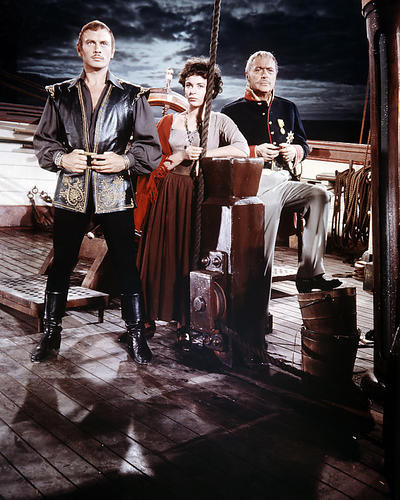 This is an image of Photograph & Poster of Yul Brynner 289602
