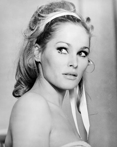 This is an image of Photograph & Poster of Ursula Andress 197523