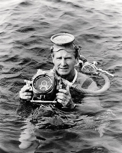 This is an image of Photograph & Poster of Lloyd Bridges 198110