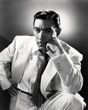 This is an image of Photograph & Poster of Anthony Quinn 198376