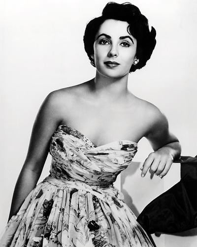 This is an image of Photograph & Poster of Elizabeth Taylor 198477