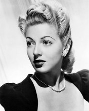This is an image of Photograph & Poster of Lana Turner 198667