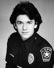 This is an image of Photograph & Poster of Adrian Zmed 198404