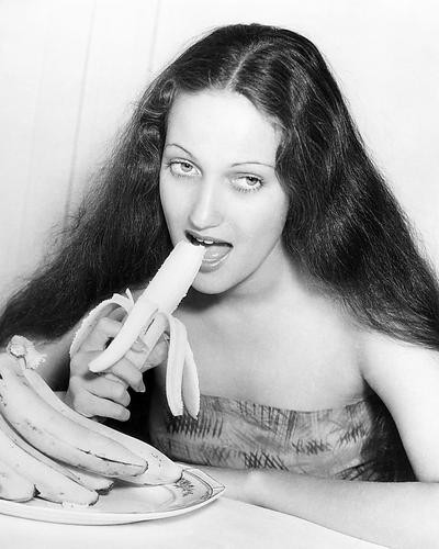 This is an image of Photograph & Poster of Dorothy Lamour 198489