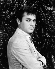 This is an image of Photograph & Poster of Tony Curtis 198760
