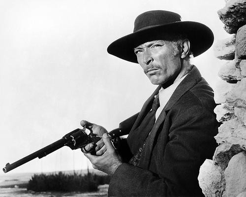 This is an image of Photograph & Poster of Lee Van Cleef 198958