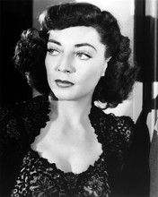This is an image of Photograph & Poster of Marie Windsor 198889