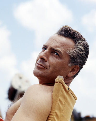 This is an image of Photograph & Poster of Rossano Brazzi 290331