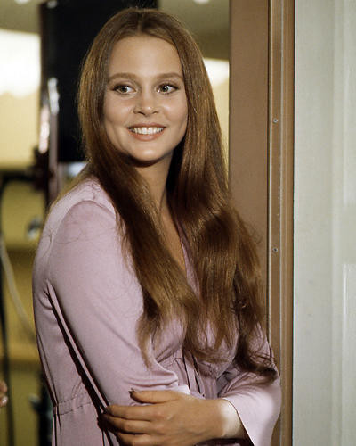 This is an image of Photograph & Poster of Leigh Taylor-Young 290394