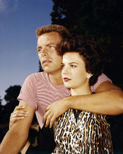 This is an image of Photograph & Poster of Natalie Wood and Robert Wagner 290411