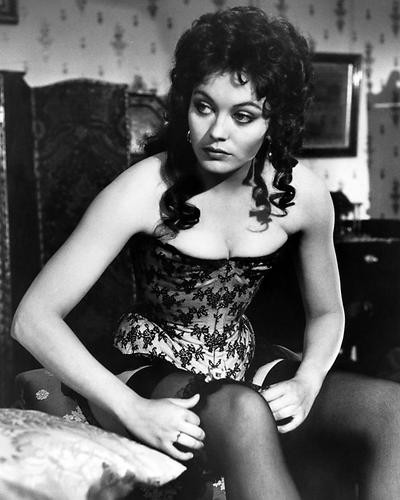 This is an image of Photograph & Poster of Lesley-Anne Down 199172