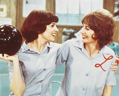 This is an image of 244897 Laverne & Shirley Photograph & Poster