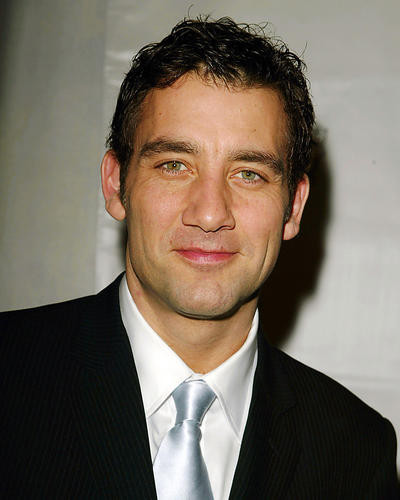 This is an image of 264403 Clive Owen Photograph & Poster