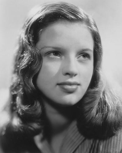 This is an image of 190659 Diana Dors Photograph & Poster