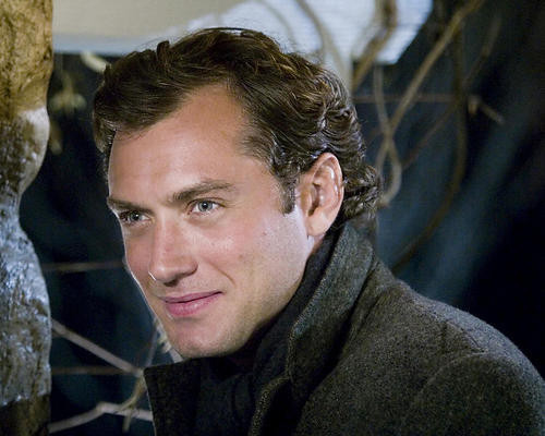This is an image of 274626 Jude Law Photograph & Poster