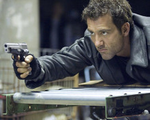 This is an image of 276341 Clive Owen Photograph & Poster
