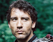 This is an image of 282630 Clive Owen Photograph & Poster