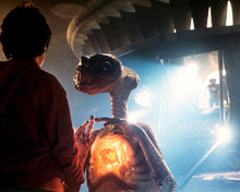 This is an image of 282760 E.T. the Extra-Terrestrial Photograph & Poster