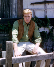 This is an image of 282823 Lee Majors Photograph & Poster