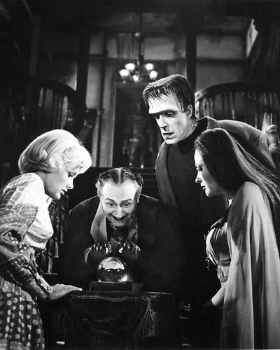 This is an image of 193426 The Munsters Photograph & Poster
