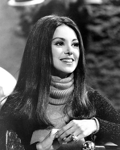 This is an image of 193213 Marlo Thomas Photograph & Poster