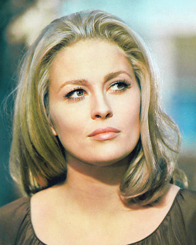 This is an image of 232909 Faye Dunaway Photograph & Poster