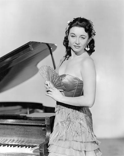 This is an image of 194469 Yvonne De Carlo Photograph & Poster