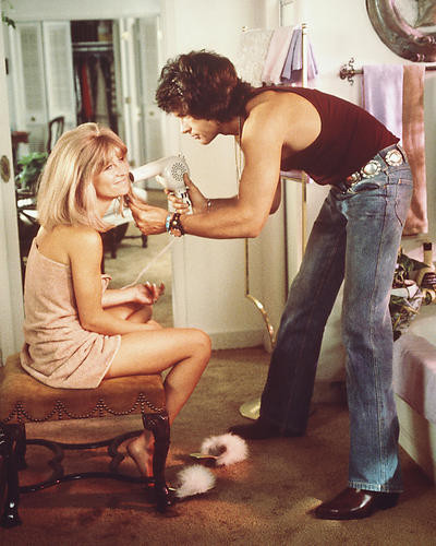 This is an image of 254900 Warren Beatty and Julie Christie Photograph & Poster