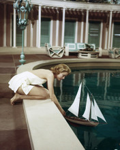 This is an image of Prints & Posters of Grace Kelly 202571