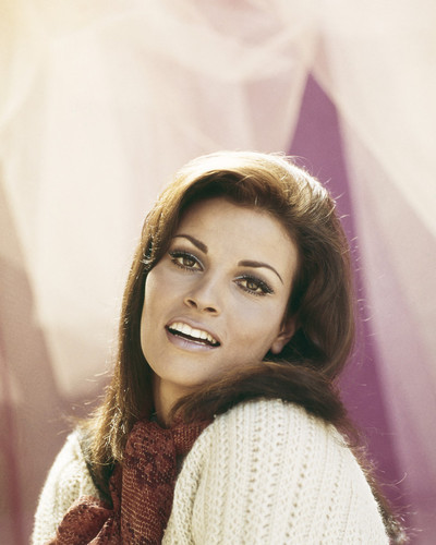 This is an image of Prints & Posters of Raquel Welch 202575
