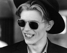 This is an image of Prints & Posters of David Bowie 104605