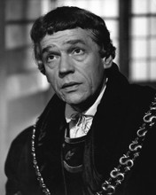 This is an image of Prints & Posters of Paul Scofield 104619
