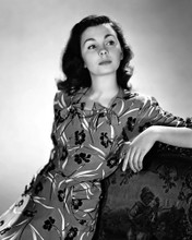 This is an image of Prints & Posters of Jean Simmons 104851