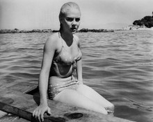 This is an image of Prints & Posters of Sue Lyon 104542