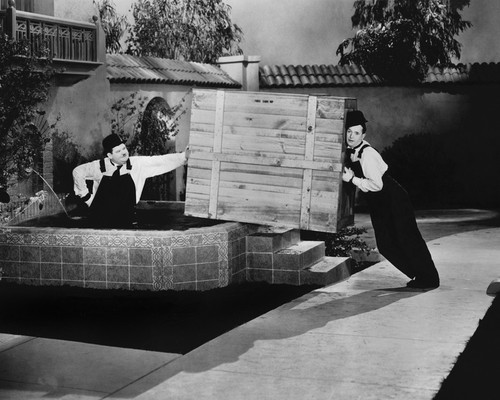 This is an image of Prints & Posters of Laurel and Hardy 104910