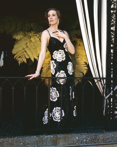 This is an image of Prints & Posters of Julie Andrews 202715