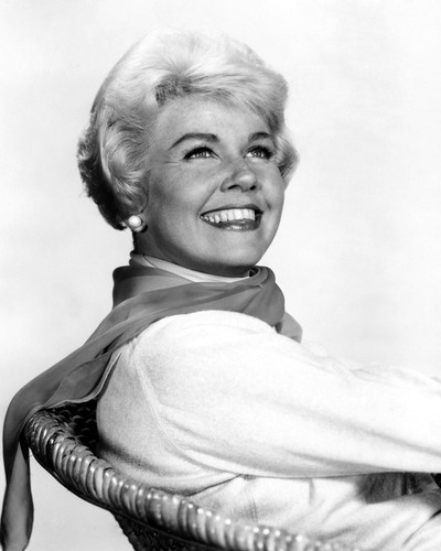 This is an image of Prints & Posters of Doris Day 105533