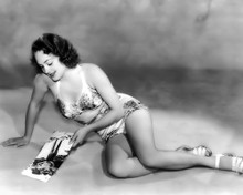 This is an image of Prints & Posters of Olivia De Havilland 105537