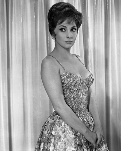 This is an image of Prints & Posters of Gina Lollobrigida 105246