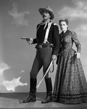 This is an image of Prints & Posters of John Wayne and Maureen O'Hara 105345