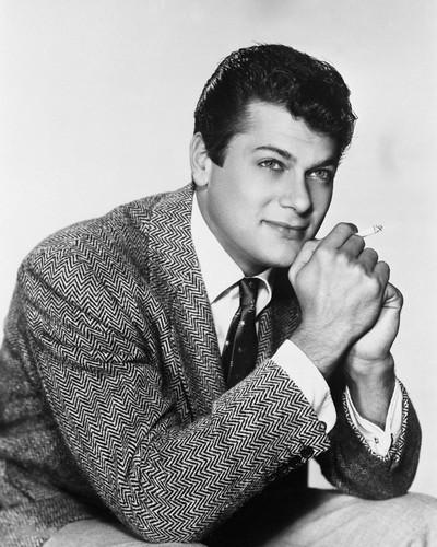 This is an image of Prints & Posters of Tony Curtis 105349