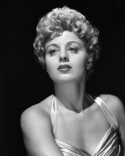 This is an image of Prints & Posters of Shelley Winters 105383